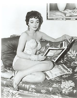 Joan-collins-corset